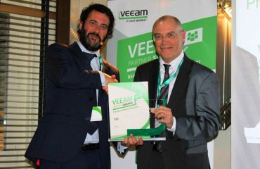 Eduard Abad - Premio Veeam Service Cloud Provider 2014 para Valora Data EID